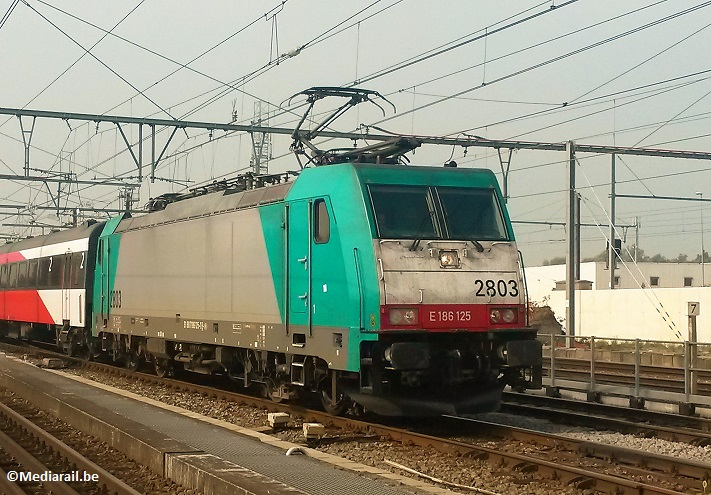SNCB-NMBS-TRAXX-Bombardier-HLE2803-Forêt 13 août 2015
